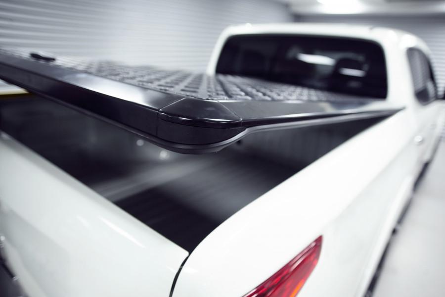 Aluminium laadklep die bestand is tegen alle weersomstandigheden en beschermt tegen diefstal.